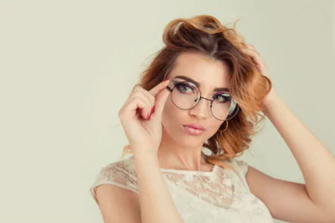 5 Reasons Rimless Glasses Are the Right Choice for Working Professionals